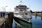 Schiff im Hafen, Friedrichshafen, Bodensee, Baden-Württemberg, Deutschland