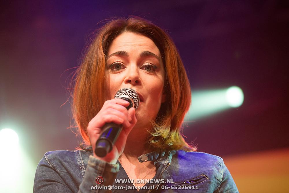NLD/Uitgeest/20170207 - Uitreiking 100% NL Awards 2016, Kim-Lian van der Meij