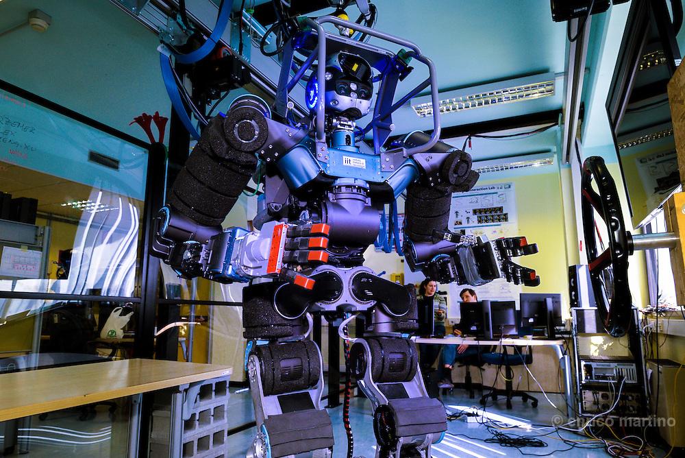 Genoa- Istituto Italiano di Tecnologia. Robotica-Walk Man