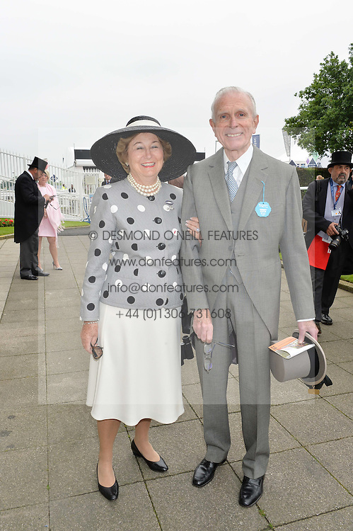 SIR DAVID & LADY SIEFF at the Investec Derby at Epsom Racecourse, Epsom, Surrey on 4th June 2016.
