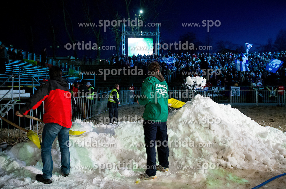 06.01.2012, Stadium Bezigrad, Ljubljana, SLO, EBEL, HDD Telemach Olimpija Ljubljana vs KHL Medvescak Zagreb 39. Runde, in picture  workers during the Erste Bank Ice Hockey League in 39th Round match between HDD Telemach Olimpija Ljubljana and KHL Medvescak Zagreb at the open ice winter classic Stadium Bezigrad, Ljubljana, Slovenia on 2013/01/06. (Photo By Vid Ponikvar / Sportida.com)