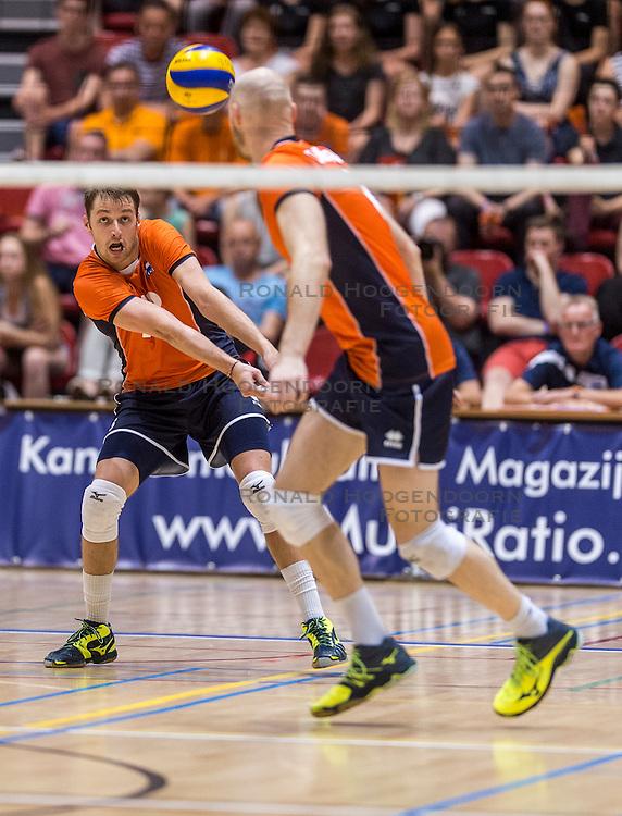 05-06-2016 NED: Nederland - Duitsland, Doetinchem<br /> Nederland speelt de laatste oefenwedstrijd ook in  Doetinchem en speelt gelijk 2-2 in een redelijk duel van beide kanten / Robbert Andringa #18