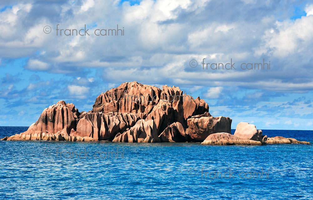 Granite rocks of saint pierre island in seychelles indian ocean