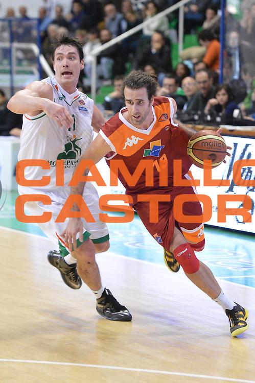 DESCRIZIONE : Siena Lega A 2012-13 Montepaschi Siena Acea Roma<br /> GIOCATORE : Datome Luigi<br /> CATEGORIA : penetrazione<br /> SQUADRA : Acea Roma<br /> EVENTO : Campionato Lega A 2012-2013 <br /> GARA : Montepaschi Siena Acea Roma<br /> DATA : 11/03/2013<br /> SPORT : Pallacanestro <br /> AUTORE : Agenzia Ciamillo-Castoria/GiulioCiamillo<br /> Galleria : Lega Basket A 2012-2013  <br /> Fotonotizia : Siena Lega A 2012-13 Montepaschi Siena Acea Roma<br /> Predefinita :