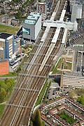 Nederland, Zuid-Holland, Leiden, 09-04-2014; station Leiden centraal, stationsgebied. Links LUMC, Leids Universitair Medisch Centrum.<br /> Central station and surroundings with University Hospital and other university buildings of the city of Leiden.<br /> luchtfoto (toeslag op standard tarieven);<br /> aerial photo (additional fee required);<br /> copyright foto/photo Siebe Swart.<br /> luchtfoto (toeslag op standard tarieven);<br /> aerial photo (additional fee required);<br /> copyright foto/photo Siebe Swart.