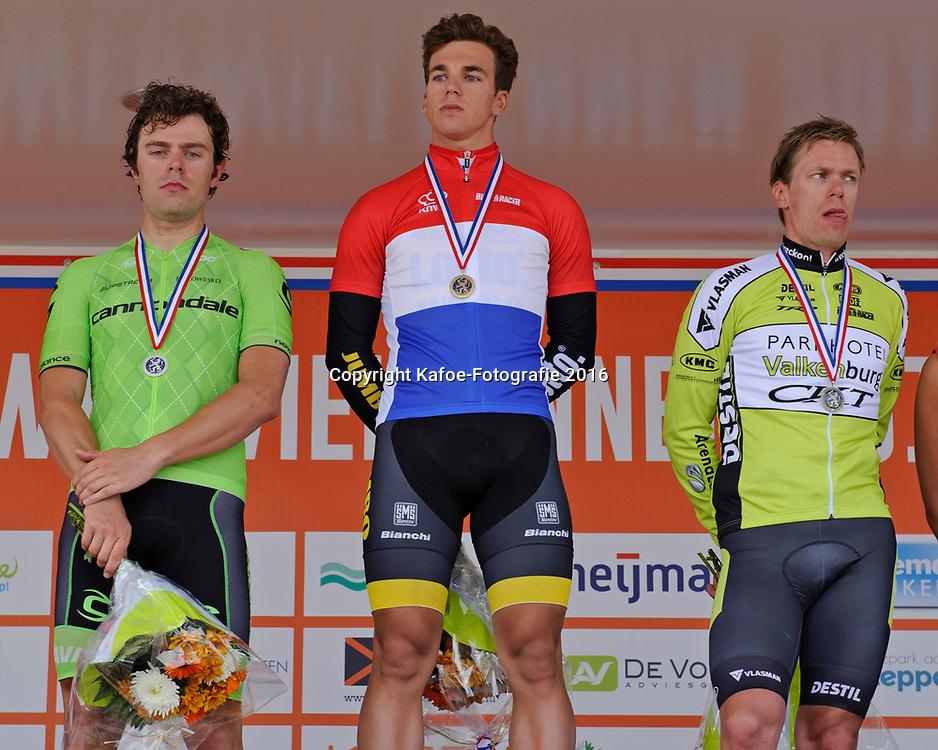 25-06-2016: Wielrennen: wegrit elite mannen: Goeree Overflakee<br /> Brouwersdam (NED) wielrennen. Podium met op 1 Dylan Groenewegen, 2. Wouter Wippert en op de 3e plek Wim Stroetinga.