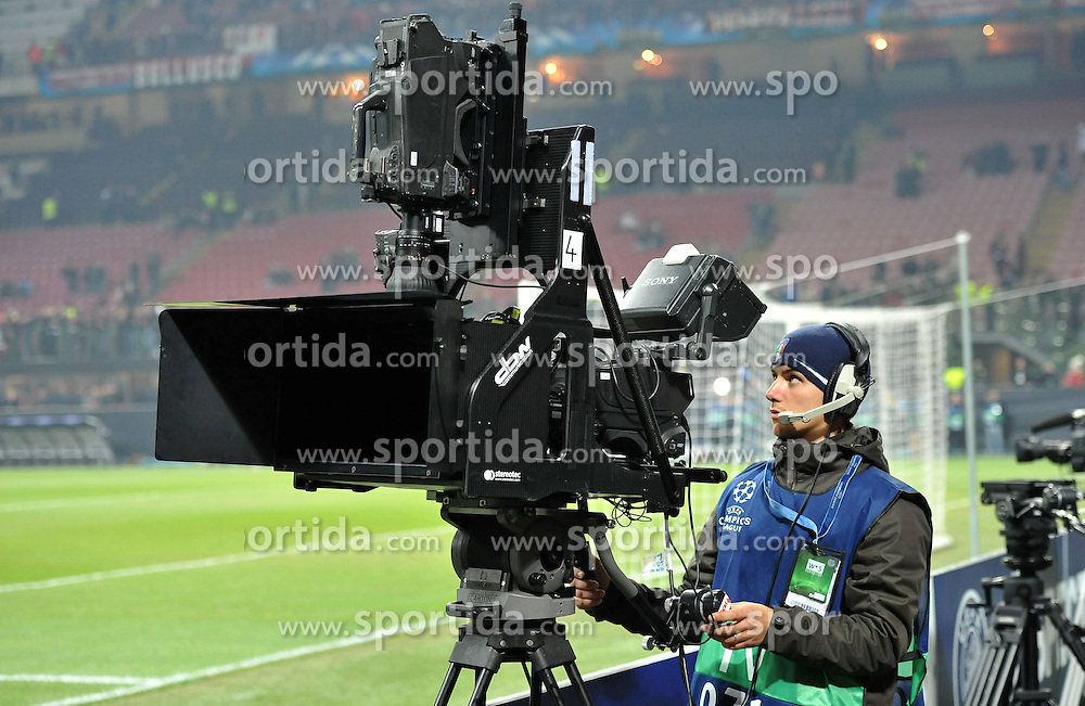 23.11.2011, Giuseppe Meazza Stadion, Mailand, ITA, UEFA CL, Gruppe H, AC Mailand (ITA) vs FC Barcelona (ESP), im Bild Telecamera 3d di sky sport // during the football match of UEFA Champions league, group H, between Gruppe H, AC Mailand (ITA) and FC Barcelona (ESP) at Giuseppe Meazza Stadium, Milan, Italy on 2011/11/23. EXPA Pictures © 2011, PhotoCredit: EXPA/ Insidefoto/ Alessandro Sabattini..***** ATTENTION - for AUT, SLO, CRO, SRB, SUI and SWE only *****