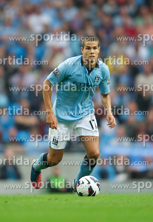 19.08.2012, Etihad Stadion, Manchester, ENG, Premier League, Manchester City vs FC Southampton, 1. Runde, im Bild Manchester City's Jack Rodwell in action against Southampton during the English Premier League 1st round match between Manchester City and Southampton FC at the Etihad Stadium, Manchester, Great Britain on 2012/08/19. EXPA Pictures © 2012, PhotoCredit: EXPA/ Propagandaphoto/ David Rawcliff..***** ATTENTION - OUT OF ENG, GBR, UK *****