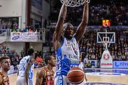 DESCRIZIONE : Campionato 2015/16 Serie A Beko Dinamo Banco di Sardegna Sassari - Umana Reyer Venezia<br /> GIOCATORE : Brenton Petway<br /> CATEGORIA : Schiacciata Sequenza<br /> SQUADRA : Dinamo Banco di Sardegna Sassari<br /> EVENTO : LegaBasket Serie A Beko 2015/2016<br /> GARA : Dinamo Banco di Sardegna Sassari - Umana Reyer Venezia<br /> DATA : 01/11/2015<br /> SPORT : Pallacanestro <br /> AUTORE : Agenzia Ciamillo-Castoria/L.Canu