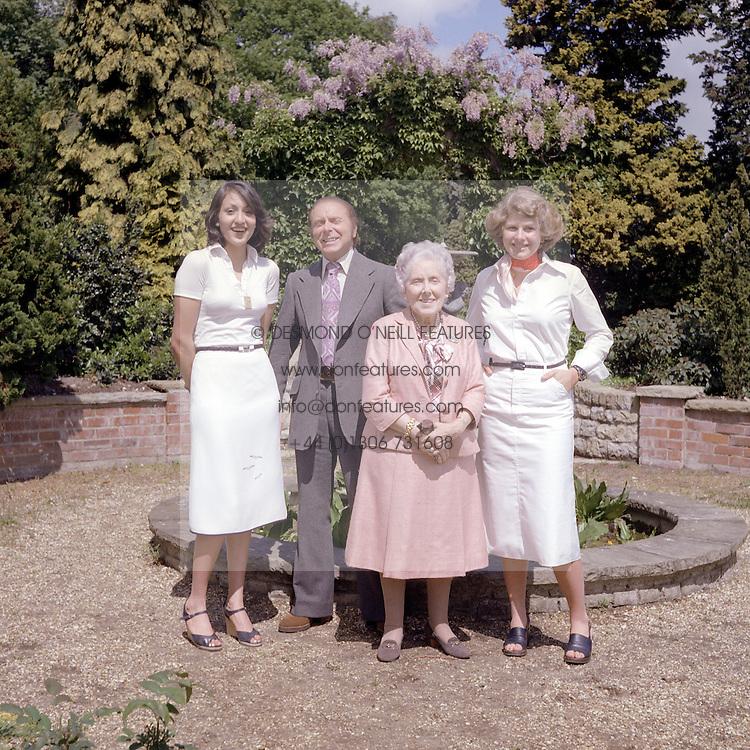 PADDOCK WOOD GROUPS 1976