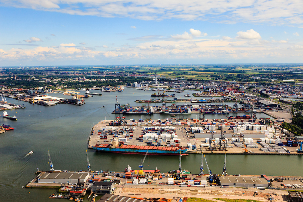 Nederland, Zuid-Holland, Rotterdam, 15-07-2012; Waalhaven met containerterminals en containeroverslag..Container storage and transshipment Waalhaven (Waal harbour) of the Port of Rotterdam...luchtfoto (toeslag), aerial photo (additional fee required).foto/photo Siebe Swart