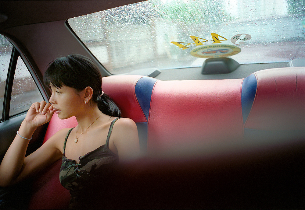 Tukta, a farmer's daughter from the Thai countryside catches a taxi on her day off. She works as a bartender in Bangkok, one of the many who flock to the capital in an attempt to leave their poor rural homes in search of better fortunes.