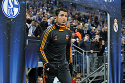 26.02.2014, Veltins Arena, Gelsenkirchen, GER, UEFA CL, Schalke 04 vs Real Madrid, Achtelfinale, im Bild Cristiano Ronaldo (Real Madrid CF #7) beim Einlauf // during UEFA Champions League last sixteen match between Schalke 04 and Real Madrid CF at the Veltins Arena in Gelsenkirchen, Germany on 2014/02/26. EXPA Pictures &copy; 2014, PhotoCredit: EXPA/ Eibner-Pressefoto/ Schueler<br /> <br /> *****ATTENTION - OUT of GER*****