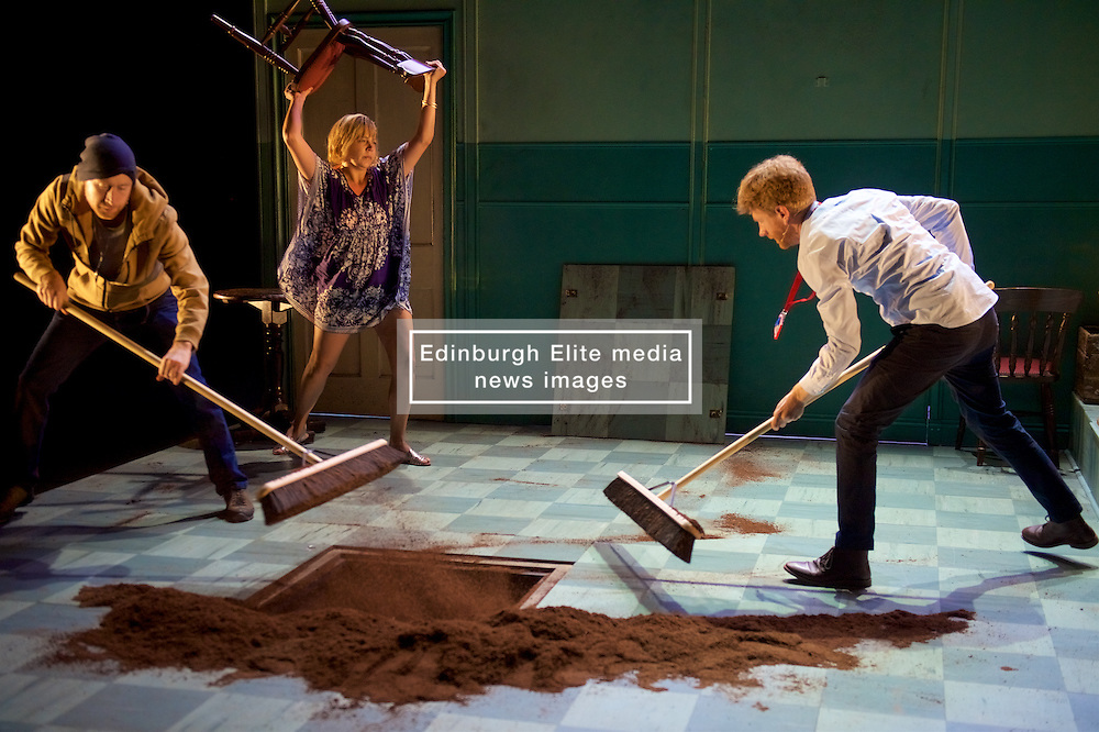 Featuring live music from the Scottish and American folk traditions, Anything That Gives Off Light is a foot-stomping collaboration exploring the tension between self-interest and sacrifice, as well as between the individual and the collective, in the pursuit of life, liberty and happiness. Edinburgh International Festival, Edinburgh International Conference Centre, 17th August 2016 (c) Brian Anderson   Edinburgh Elite media