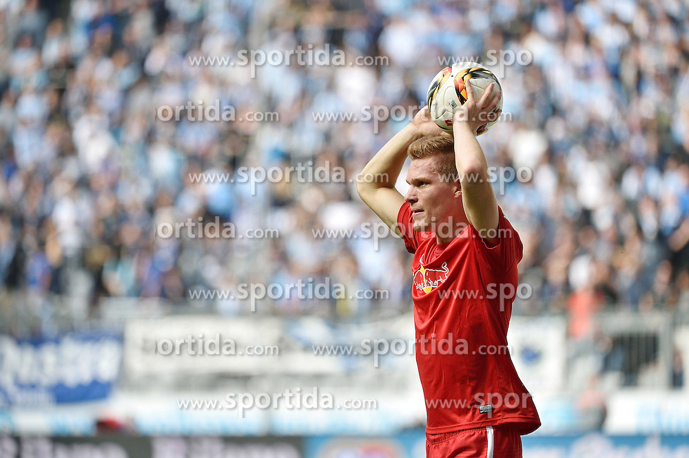27.09.2015, Allianz Arena, Muenchen, GER, 2. FBL, TSV 1860 Muenchen vs RB Leipzig, 9. Runde, im Bild Marcel Halstenberg (RasenBallsport Leipzig e.?V), Einzelbild, Einwurf, // during the 2nd German Bundesliga 9th round match between TSV 1860 Munich vs RB Leipzig at the Allianz Arena in Muenchen, Germany on 2015/09/27. EXPA Pictures &copy; 2015, PhotoCredit: EXPA/ Eibner-Pressefoto/ Buthmann<br /> <br /> *****ATTENTION - OUT of GER*****