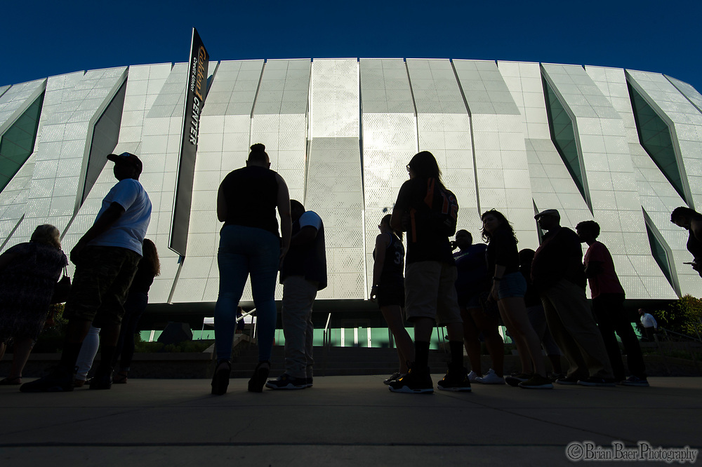 Kings fans enter Golden One Center to watch the Kings Lakers Sumer League game, Monday Jul 10, 2017.<br /> photo by Brian Baer