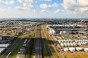 Nederland, Zuid-Holland, Gemeente Rotterdam, 15-07-2012; Botlekweg richting Rozenburg, A15 en Betuweroute..Petroleum refinery and oil storage.  .luchtfoto (toeslag), aerial photo (additional fee required).foto/photo Siebe Swart