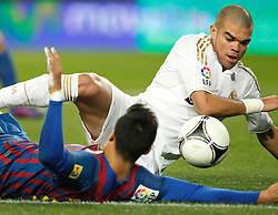 25.01.2012, Stadion Camp Nou, Barcelona, ESP, Copa del Rey, FC Barcelona vs Real Madrid, im Bild Barcelona's Alexis Sanchez and Real Madrid's Pepe // during the football match of spanish Copy del Rey, between FC Barcelona and Real Madrid at Camp Nou stadium, Barcelona, Spain on 2012/01/25. EXPA Pictures © 2012, PhotoCredit: EXPA/ Alterphotos/ Cesar Cebolla..***** ATTENTION - OUT OF ESP and SUI *****