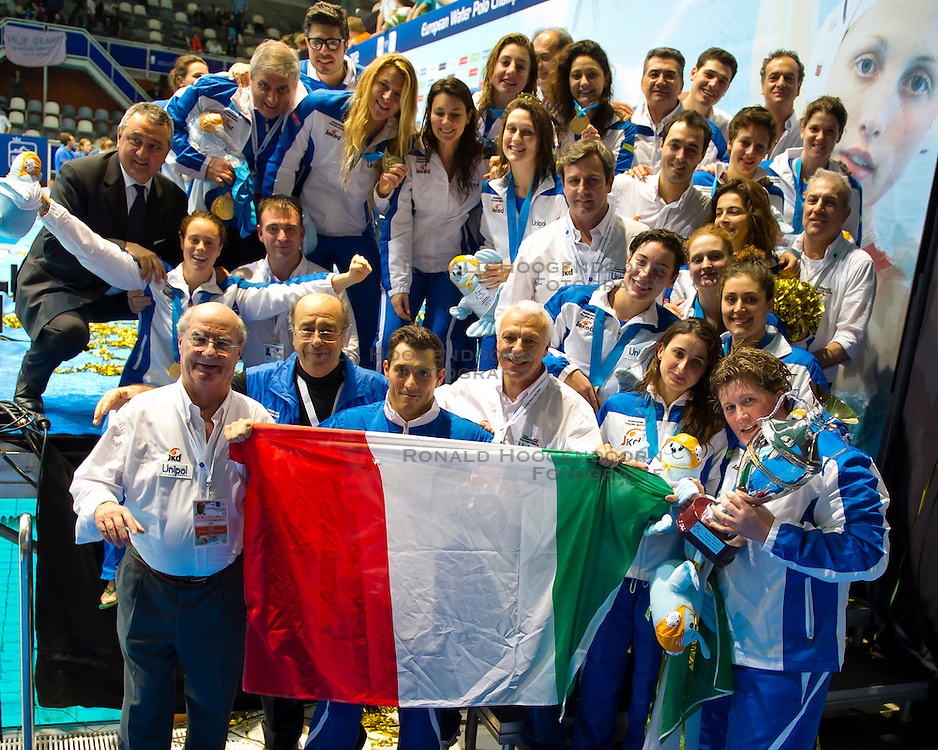 28-01-2012 WATERPOLO: EC GREECE - ITALY: EINDHOVEN<br /> European Championships Greece - Italy / The team of Italy wins the gold medal match and is European Champion<br /> (c)2012-FotoHoogendoorn.nl / Peter Schalk