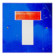 cut out of a Dead end traffic sign on white background