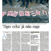 "Tearsheet of ""Irlanda: 'Tigre Celta' ja nao ruge"" published in Expresso"