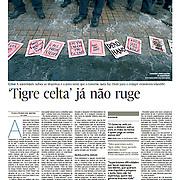 "Tearsheet of ""Irlanda: 'Tigre Celta' ja nao ruge"" published in Expresso"