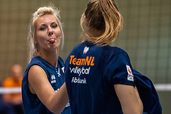 14-05-2019 NED: Training national volleyball team Women, Arnhem<br /> Dutch volleyball team women starts the training yesterday. There is a tough program ahead this summer. They starts with group matches of the VNL, then OKT in Catania in Italy, Worldcup in Japan and the European Championship played in Hungary / Laura Dijkema #14 of Netherlands, Nika Daalderop #19 of Netherlands