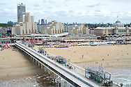 Uitzicht vanaf de Pier op de boulevard van Scheveningen, Den Haag - View from the Pier to the promenade of Scheveningen, The Hague Beach