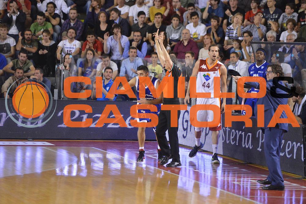 DESCRIZIONE : Roma Lega A 2012-2013 Acea Roma Lenovo Cant&ugrave; playoff semifinale gara 2<br /> GIOCATORE : Pietro Aradori<br /> CATEGORIA : <br /> SQUADRA : Lenovo Cantu<br /> EVENTO : Campionato Lega A 2012-2013 playoff semifinale gara 2<br /> GARA : Acea Roma Lenovo Cant&ugrave;<br /> DATA : 27/05/2013<br /> SPORT : Pallacanestro <br /> AUTORE : Agenzia Ciamillo-Castoria/GiulioCiamillo<br /> Galleria : Lega Basket A 2012-2013  <br /> Fotonotizia : Roma Lega A 2012-2013 Acea Roma Lenovo Cant&ugrave; playoff semifinale gara 2<br /> Predefinita :