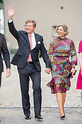 Werkbezoek van  Koning Willem Alexander en  Koningin Maxima aan de Duitse deelstaten<br /> Mecklenburg-Voor-Pommeren en Brandenburg.<br /> <br /> Working visit by King Willem Alexander and Queen Maxima to the German states of Mecklenburg-Western Pomerania and Brandenburg.<br /> <br /> Op de foto / On the photo: Themadiner Veranderend Platteland in de Historische Saftfabrik Werder, Potsdam  /// Theme Dinner Changing Countryside in the  Historische Saftfabrik Werder, Potsdam
