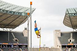 August 10, 2018 - Berlin, GERMANY - 180810 Armand Duplantis of Sweden competes in the qualifications of the men's pole vault during the European Athletics Championships on August 10, 2018 in Berlin..Photo: Vegard Wivestad GrÂ¿tt / BILDBYRN / kod VG / 170201 (Credit Image: © Vegard Wivestad Gr¯Tt/Bildbyran via ZUMA Press)