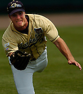 06/16/2006 Georgia Tech's Jeff Kindel dives for a ball. Game one of the College World Series in Omaha, Ne.(photo by chris machian/Prarie PIxel Group)