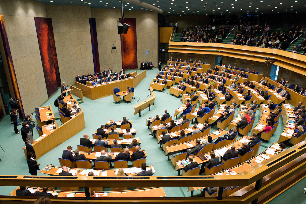 Nederland, den Haag, 26 okt 2010.Tweede kamer tijdens algemene politieke beschouwingen, met ook het voltallige kabinet in vak k...Foto (c)  Michiel Wijnbergh