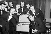 1964-09/11 Regal Showband with First Recording