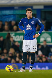 Ross Barkley of Everton looks to take a free kick - Photo mandatory by-line: Rogan Thomson/JMP - 07966 386802 - 19/01/2015 - SPORT - FOOTBALL - Liverpool, England - Goodison Park - Everton v West Bromwich Albion - Barclays Premier League.
