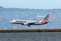 Boeing 737-823 (N967NN) operated by American Airlines landing at San Francisco International Airport (KSFO), San Francisco, California, United States of America