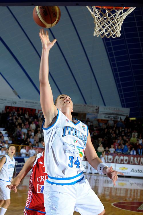 DESCRIZIONE : Venezia Additional Qualification Round Eurobasket Women 2009 Italia Croazia<br /> GIOCATORE : Jenifer Nadalin<br /> SQUADRA : Nazionale Italia Donne<br /> EVENTO : Italia Croazia<br /> GARA :<br /> DATA : 10/01/2009<br /> CATEGORIA : Tiro<br /> SPORT : Pallacanestro<br /> AUTORE : Agenzia Ciamillo-Castoria/M.Gregolin<br /> Galleria : Fip Nazionali 2009<br /> Fotonotizia : Venezia Additional Qualification Round Eurobasket Women 2009 Italia Croazia<br /> Predefinita :