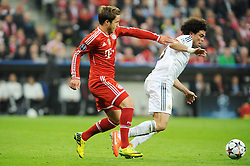 29.04.2014, Allianz Arena, Muenchen, GER, UEFA CL, FC Bayern Muenchen vs Real Madrid, Halbfinale, Ruckspiel, im Bild vl. Mario Goetze (FC Bayern Muenchen) stoert Pepe (Real Madrid) // during the UEFA Champions League Round of 4, 2nd Leg Match between FC Bayern Munich vs Real Madrid at the Allianz Arena in Muenchen, Germany on 2014/04/30. EXPA Pictures © 2014, PhotoCredit: EXPA/ Eibner-Pressefoto/ Stuetzle<br /> <br /> *****ATTENTION - OUT of GER*****