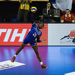 08.01.2016, Max Schmeling Halle, Berlin, GER, CEV Olympia Qualifikation, Frankreich vs Bulgarien, im Bild Aufschlag Mry?Sidibe (#21, Frankreich/France) // during 2016 CEV Volleyball European Olympic Qualification Match between France and Bulgaria at the  Max Schmeling Halle in Berlin, Germany on 2016/01/08. EXPA Pictures © 2016, PhotoCredit: EXPA/ Eibner-Pressefoto/ Wuechner<br /> <br /> *****ATTENTION - OUT of GER*****