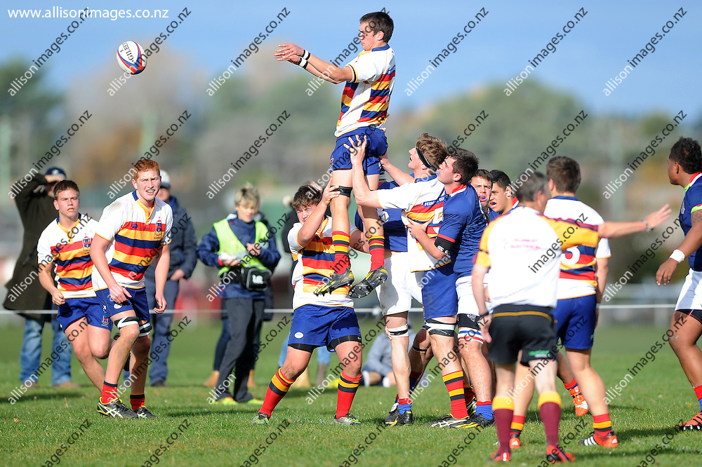 Oscar Engelbrecht of John McGlashan claims the ball at a lineout, during the Otago Secondary School Rugby Competition match between John McGlashan College 1st XV and St Kevins College 1st XV, held at St Kevins College, Oamaru, New Zealand, 16th May 2015. Credit: Joe Allison / allisonimages.co.nz