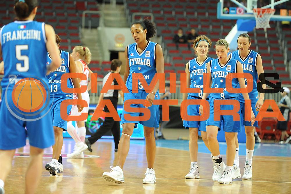 DESCRIZIONE : Riga Latvia Lettonia Eurobasket Women 2009 Qualifying Round Russia Italia Russia Italy<br /> GIOCATORE : Team Italia<br /> SQUADRA : Italia Italy<br /> EVENTO : Eurobasket Women 2009 Campionati Europei Donne 2009 <br /> GARA : Russia Italia Russia Italy<br /> DATA : 14/06/2009 <br /> CATEGORIA : delusione<br /> SPORT : Pallacanestro <br /> AUTORE : Agenzia Ciamillo-Castoria/M.Marchi<br /> Galleria : Eurobasket Women 2009 <br /> Fotonotizia : Riga Latvia Lettonia Eurobasket Women 2009 Qualifying Round Russia Italia Russia Italy<br /> Predefinita :