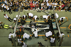 September 13, 2018 - Singapore, Singapore - Motorsports: FIA Formula One World Championship 2018, Grand Prix of Singapore, .pit stop Mercedes AMG Petronas Motorsport  (Credit Image: © Hoch Zwei via ZUMA Wire)