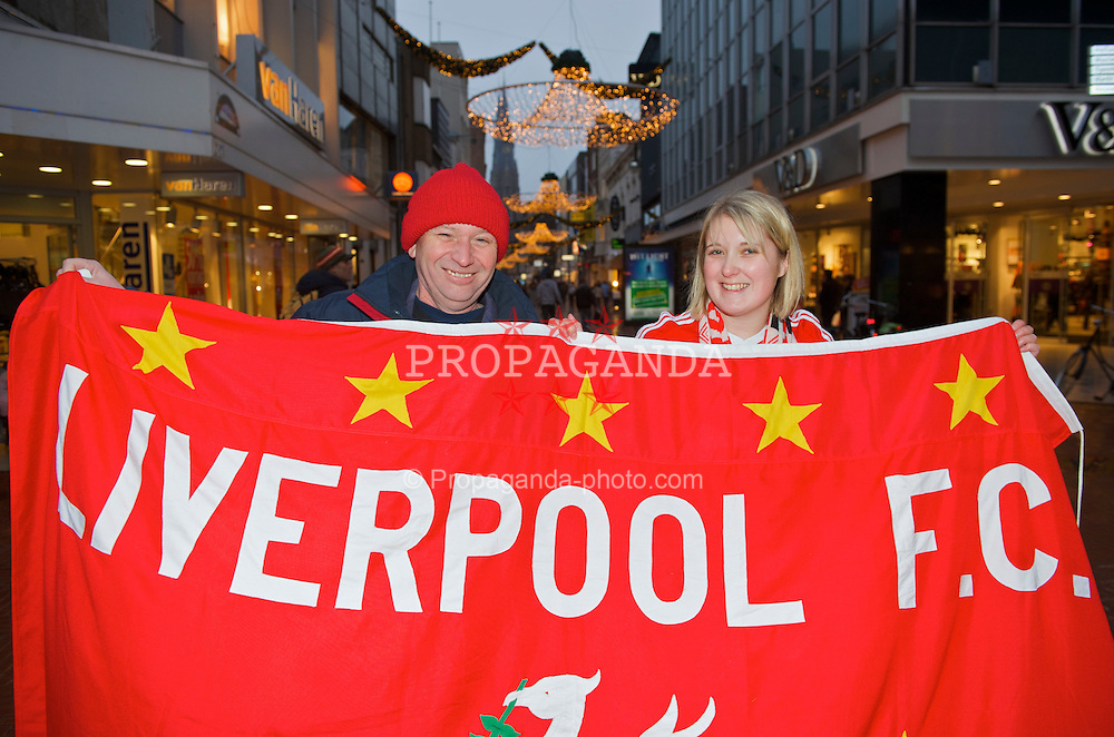 EINDHOVEN, THE NETHERLANDS - Tuesday, December 9, 2008: Liverpool supporter Mal with his step-daughter Kez from Whiston, in Eindhoven ahead of the final UEFA Champions League Group D match against PSV Eindhoven. (Photo by David Rawcliffe/Propaganda)