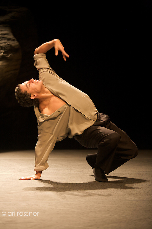 First representation of the company in Paris after Pina Bausch's death&lt;br&gt;<br /> Fernando Suels Mendoza