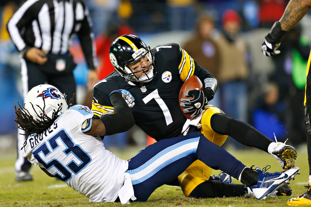 NASHVILLE, TN - NOVEMBER 17:  Ben Roethlisberger #7 of the Pittsburgh Steelers is sacked during the first quarter of a game by Quentin Groves #53 of the Tennessee Titans at LP Field on November 17, 2014 in Nashville, Tennessee.  The Steelers defeated the Titans 27-24.  (Photo by Wesley Hitt/Getty Images) *** Local Caption *** Ben Roethlisberger; Quentin Groves