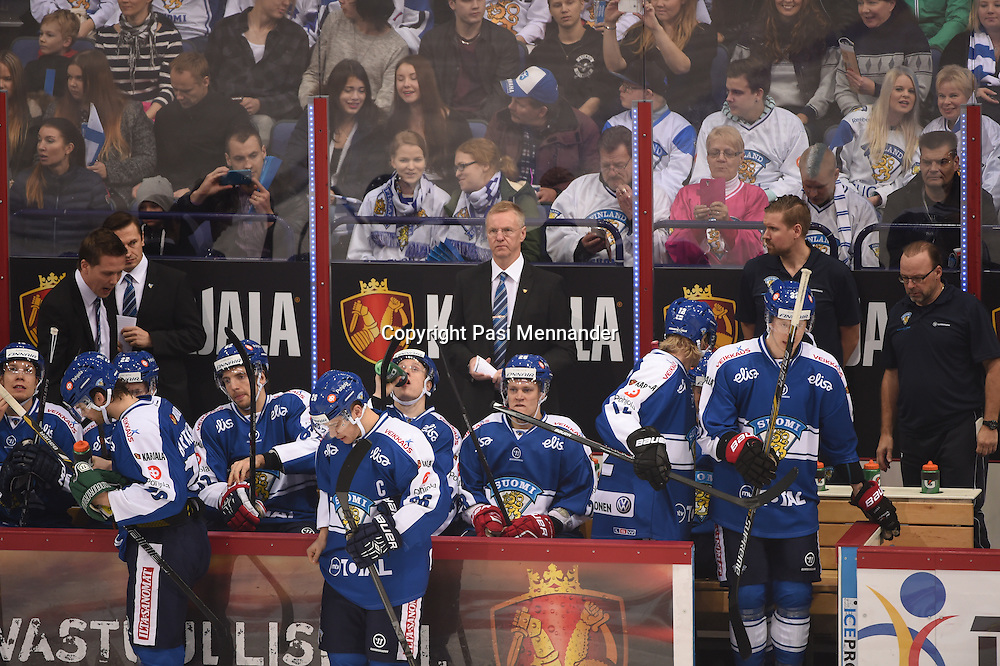 Karjala-turnauksen ottelu Suomi-Ruotsi pelattiin Hartwall Arenassa sunnuntaina 9.11.2014. Ruotsi voitti ottelun maalein 3-0 ja samalla koko Karjala-turnauksen.