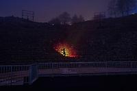 Fete des Lumieres - Lyon - Dec 2016<br /> Incandescens -  Jerome Donna & Simon Milleret-Godet<br /> Theatre Antique - Grand theatre<br /> Dans l'obscurite du theatre, la lumiere de la flamme jaillit et vient troubler la quietude de la creature sensible et mysterieuse qui habite les lieux. Cette rencontre fortuite vous entraine dans un univers poetique, melange de reves et de legendes. Un subtil jeu de silhouettes apparait, evolue et disparait dans un ballet d'ombres et de lumieres, tandis que la flamme sublime les lieux en lechant les pierres de l'hemicycle.