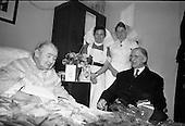 1967 - President de Valera visits Senator Margaret Pearse at the Lyndon Convalescent Home