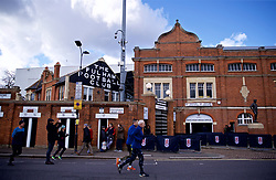 LONDON, ENGLAND - Sunday, March 17, 2019: Joggers run past Fulham's Craven Cottage stadium before the FA Premier League match between Fulham FC and Liverpool FC at Craven Cottage. (Pic by David Rawcliffe/Propaganda)