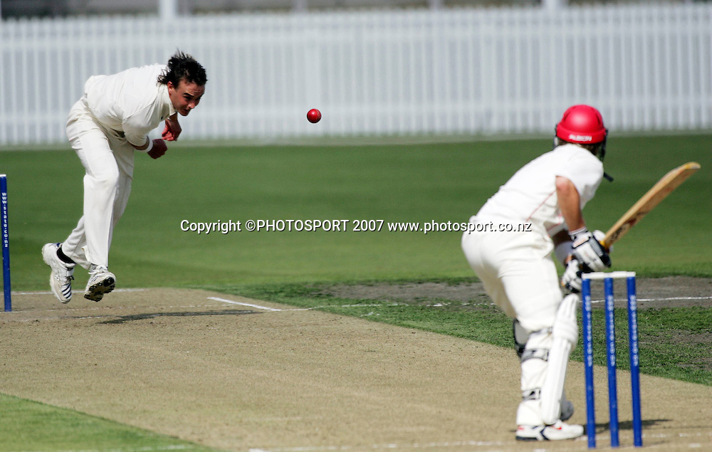 Northern District's Graeme Aldridge during the State Championship Cricket Final between Northern Districts and Canterbury at Seddon Park, Hamilton, New Zealand on Thursday 22 March 2007. Photo: Hagen Hopkins/PHOTOSPORT<br />